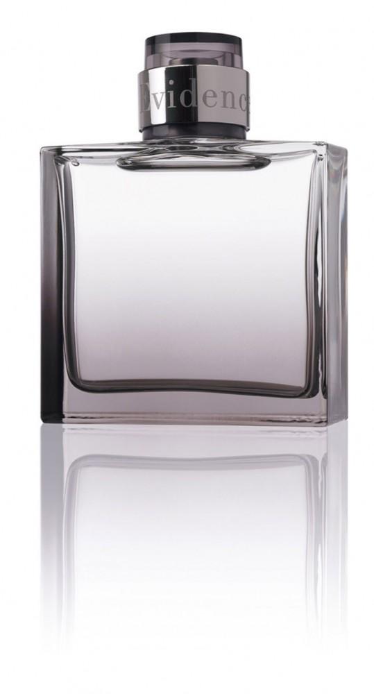 parfums pour hommes la tendance du sur mesure esth tique hommes. Black Bedroom Furniture Sets. Home Design Ideas